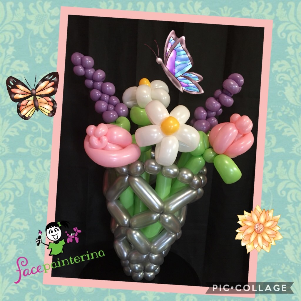 Balloon bouquet flower arrangement in vase